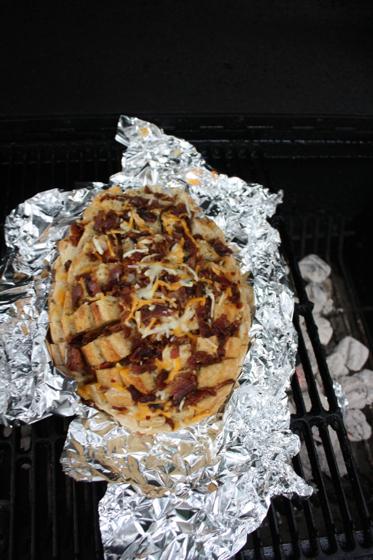 Grilled-Bacon-Cheddar-Bread-093