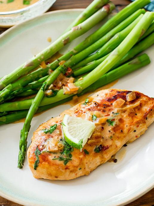 skillet-chicken-with-creamy-cilantro-lime-sauce-5