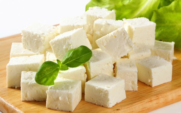 Feta-cheese-is-it-healthy-or-just-taste