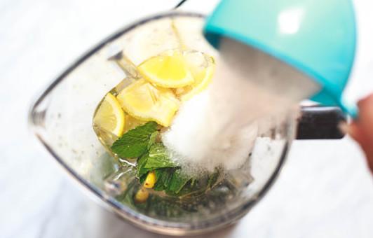 Mediterranean-Mint-Lemonade-Recipe-5