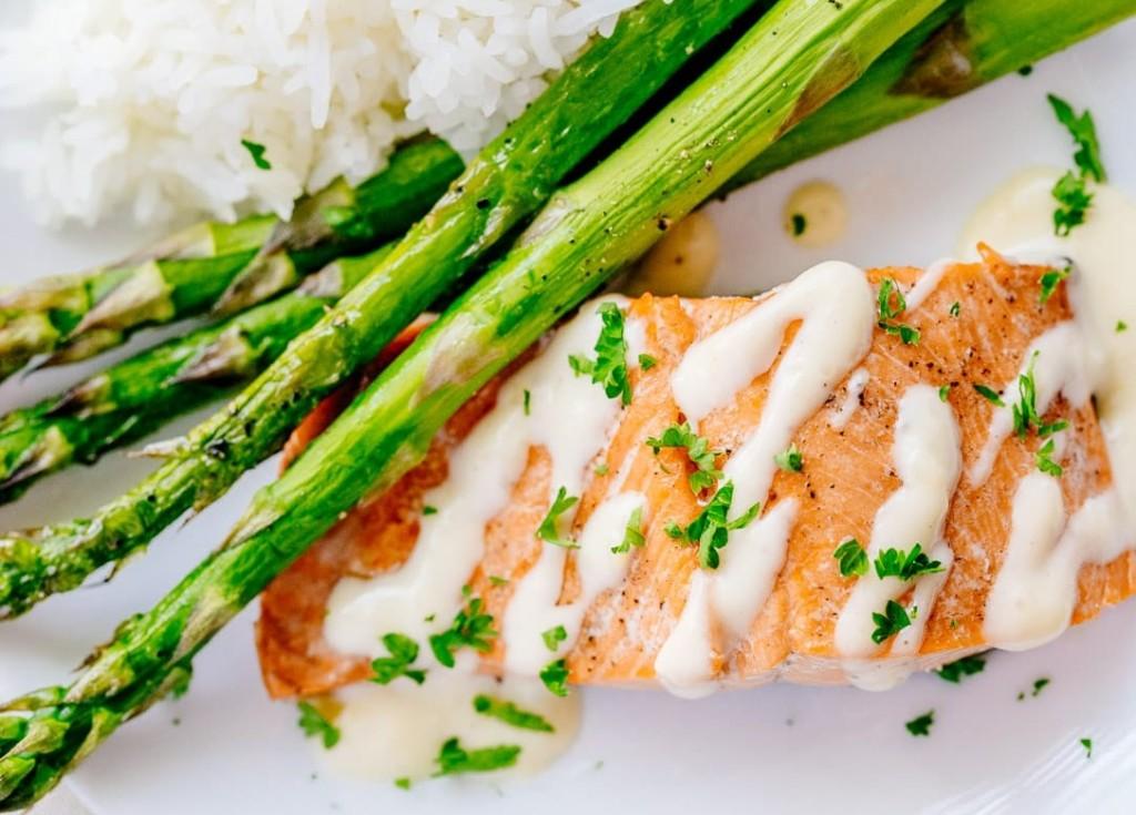 Baked-Salmon-with-Lemon-Cream-Sauce-10