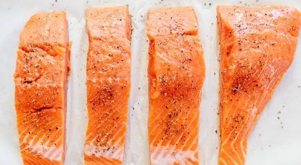 Baked-Salmon-with-Lemon-Cream-Sauce-2-600x400