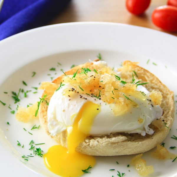 easy-poached-eggs-with-carameilzed-onion-7
